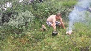 truls på tur ved bålet